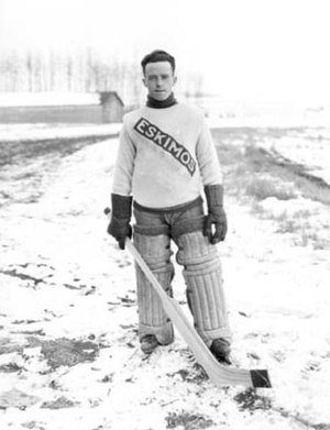 Bill Tobin (ice hockey) - Tobin with the Edmonton Eskimos in the 1921–22 season.