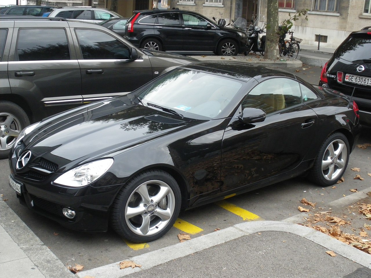 S Class Coupe >> File:Black Mercedes Benz Coupe in Geneva, Switzerland.jpg - Wikimedia Commons