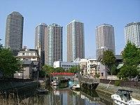 Boatslip in Tsukuda-shima - panoramio.jpg