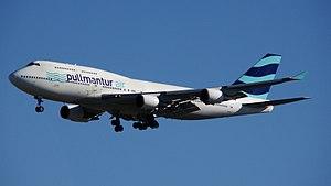 Wamos Air - Pullmantur Air Boeing 747-400 in the 2013 livery