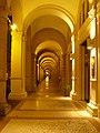 Bologna Via Indipendenza arkady.jpg