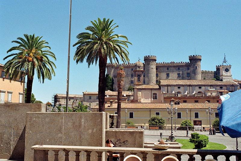 File:Bracciano - Castle and Town Hall Square.jpg
