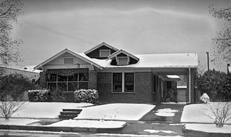 Southeast Texas - Image: Brick House and Snow