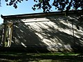 Brissac - Mausolé - Vue latérale.jpg