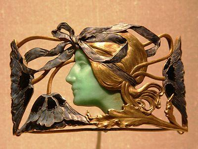 Broche with Woman - René Lalique