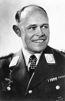 Il generale nazista Albert Kesselring condusse le proprie truppe a Campo di Giove durante la guerra del Sangro, nella ritirata lungo la linea Gustav, avvenuta nel 1943. Campo di Giove non subì bombardamenti, ma svariati saccheggi e venne usata come campo di prigionia, insieme alla vicina Rocca Pia