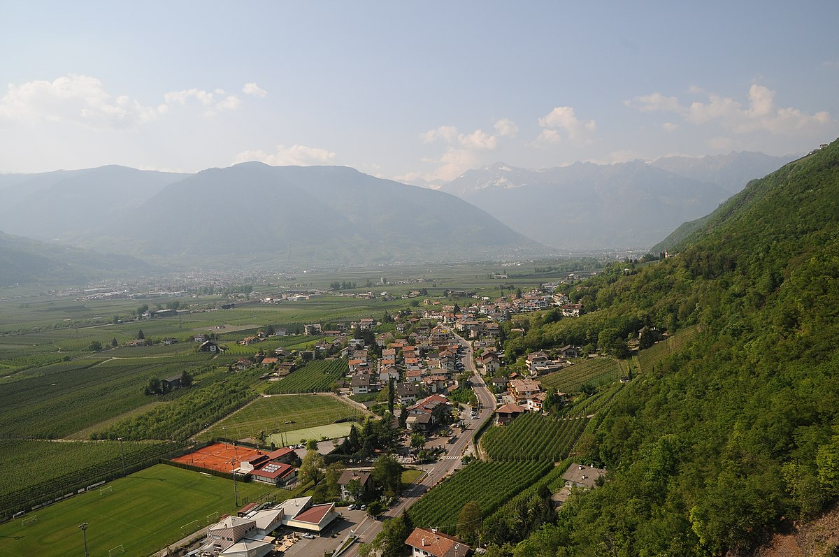 Burgstall south tyrol wikipedia for Lana bei meran