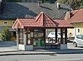 Bus stop Arnoldstein 01.jpg