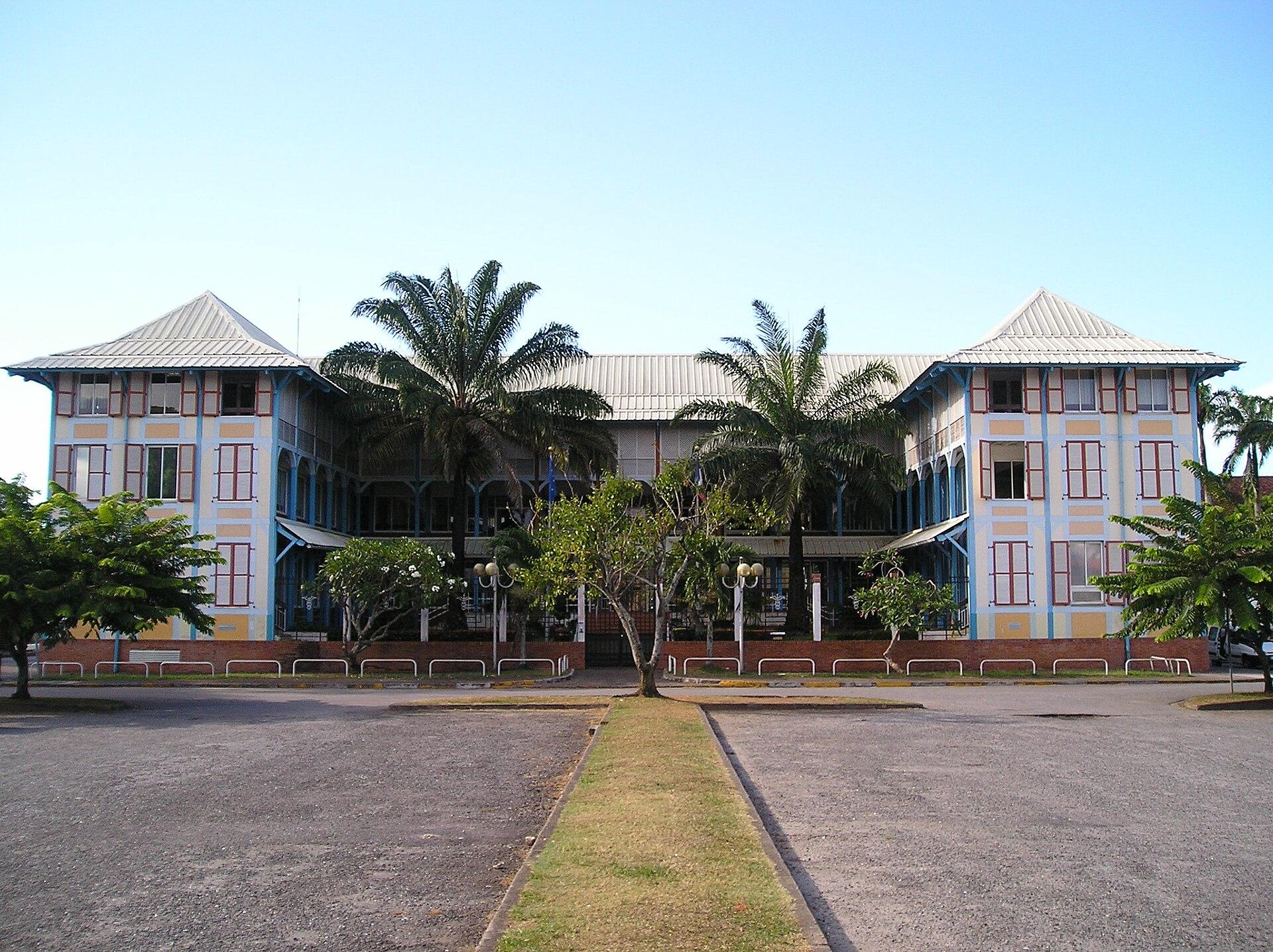 Chambre de commerce et d 39 industrie de la guyane wikip dia for Chambre de commerce wikipedia