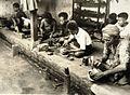 COLLECTIE TROPENMUSEUM Zilversmederij in Kotagede of Jogjakarta TMnr 60054140.jpg