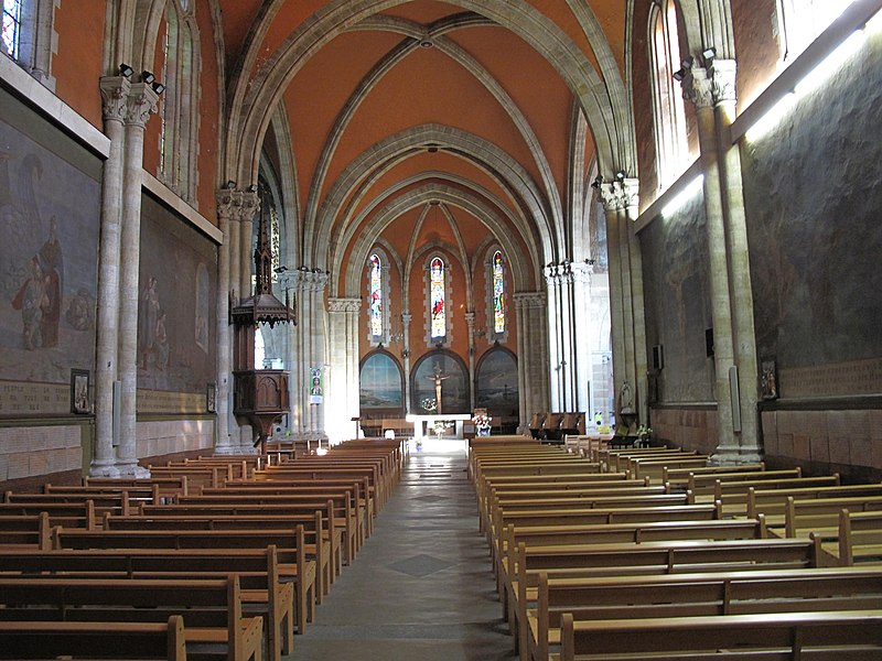 The nave of the Saint-Nicolas church in Capbreton (Landes, France)