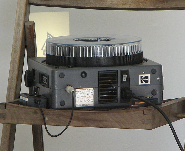 File:Carousel-slide-projector-0a.jpg