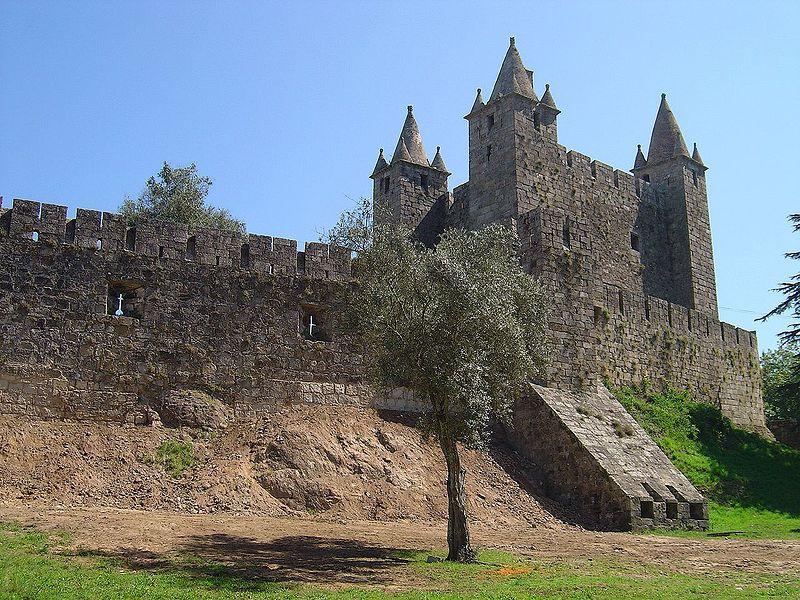 Image:Castelo de Sta. Maria da Feira3.jpg