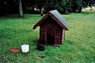 Doghouse - Image: Castledaly Manor Doghouse geograph.org.uk 1606827