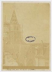 Photographie de la reconstruction du clocher de la cathédrale de Laval