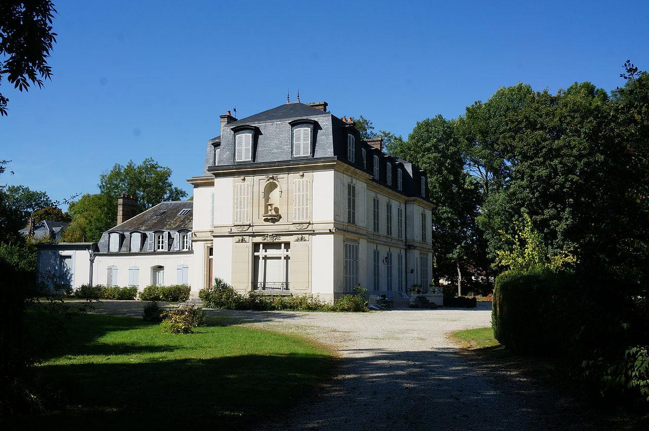 Château de st-Julien 07873.JPG