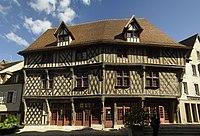 Chartres, Maison du Saumon, Façade.jpg
