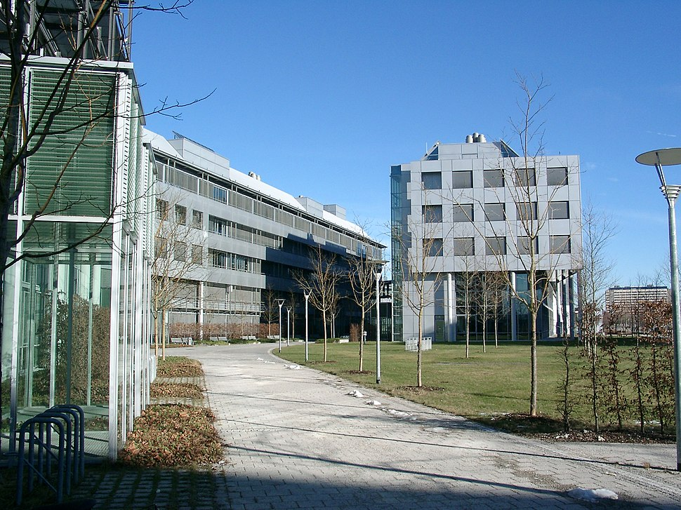 Chemistry faculty of the LMU 2003