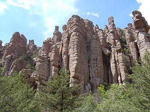Chiricahua National Monument - Image: Chiricahua stone columns