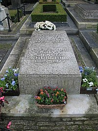 Churchill's grave - geograph.org.uk - 1082097.jpg