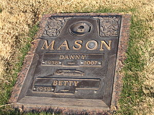 Danny Mason - Grave of Coach Danny Mason at Resthaven Memorial Park in Lubbock