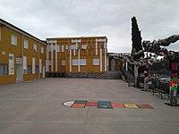 Colegio público de Arganza y Ayuntamiento.jpg