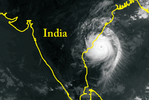 1996 Andhra Pradesh cyclone - Satellite image and map of the cyclone approaching India
