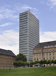 [عکس: 220px-D%C3%BCsseldorf_%28DerHexer%29_2010-08-13_212.jpg]