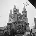 De romaanse Munsterkerk in Roermond, die bij de oorlogshandelingen licht werd be, Bestanddeelnr 900-2312.jpg