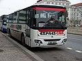 Dejvická, autobus Exprescar na manipulačním stání.jpg