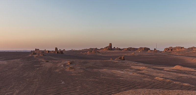 File:Desierto de Lut, Irán, 2016-09-22, DD 13.jpg