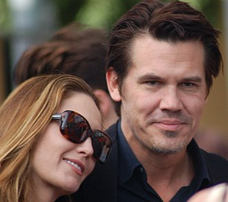 Josh Brolin - Brolin with then-wife Diane Lane in December 2009