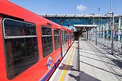 Docklands Light Railway 15 (7996953893).jpg