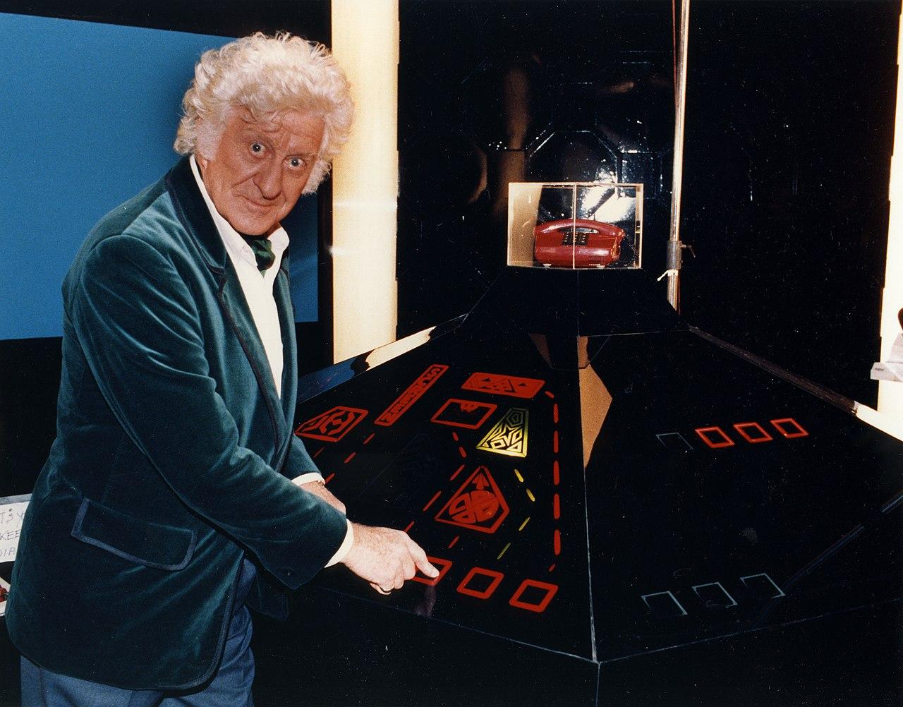 File:Dr Who, John Pertwee (10842597324).jpg - Wikimedia ...  File:Dr Who, Jo...