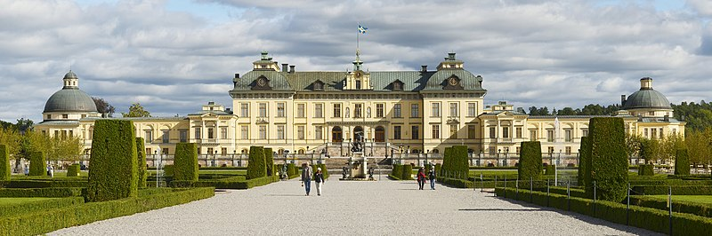 File:Drottningholm Palace - panorama september 2011.jpg