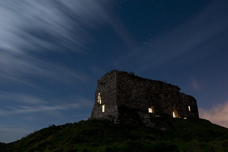 File:Dunamase Castle NIK2624.jpg