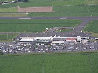 Dunedin Airport - Dunedin International Airport control tower and terminal building in 2010