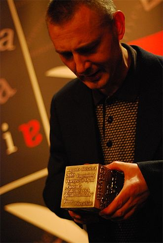 2009 in poetry - Eugeniusz Tkaczyszyn-Dycki, accepting the Gdynia Literary Prize, for poetry; he also won the Nike Award for best literary work in Poland
