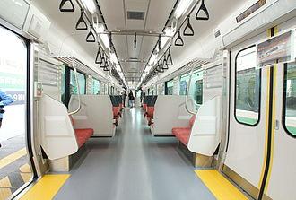 E129 series - Image: E129 interior