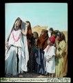 ETH-BIB-Tuggurt, Frauen im Beduinenlager-Dia 247-03781-1.tif