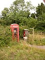Eashing, postbox No. GU7 7 and phone - geograph.org.uk - 1410482.jpg