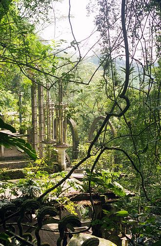 Xilitla - Las Pozas pillars