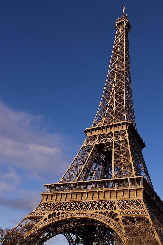 FileEiffel Tower Paris 26 December 2013jpg Wikimedia
