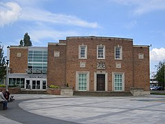 Ellesmere Port Civic Hall (3).JPG