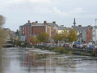 Ennis - River Fergus going through Ennis.