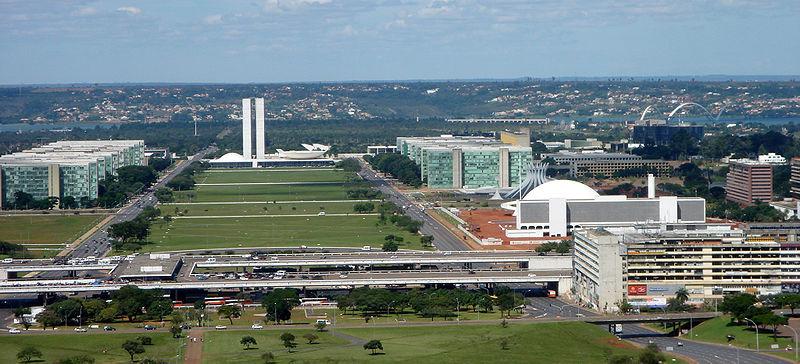 Archivo:Esplanada dos Ministérios, Brasília DF 04 2006.jpg
