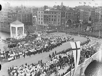 Marie-Marthe-Baptistine Tamisier - Eucharistic Congress - Dublin - June 1932 -Benediction on the Bridge