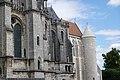 Exterior of Cathédrale Notre-Dame de Chartres 4.jpg