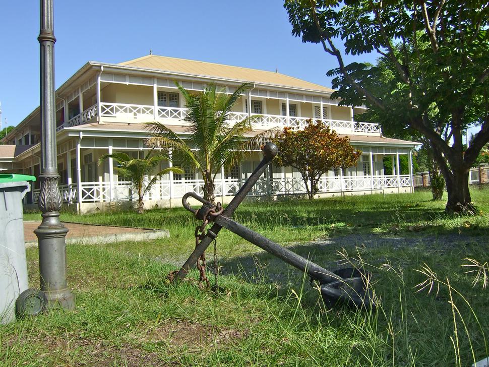 Exterior view of Bernheim Library, Nouméa