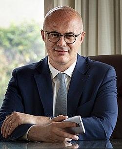 Federico D'Incà ritratto frontale ministro rapporti parlamento (cropped).jpg